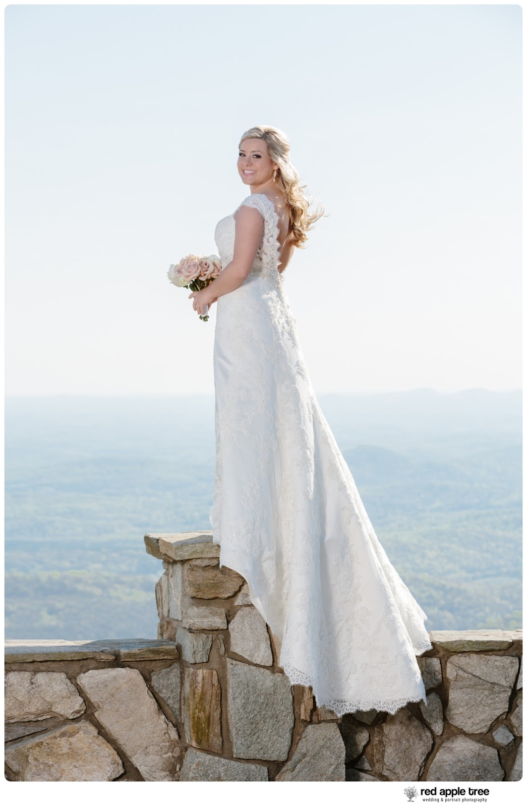 Amanda 39 s bridal the cliffs at glassy chapel landrum for Wedding dress shops greenville sc
